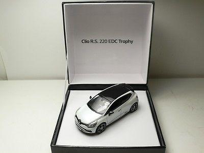 Clio RS 220 Trophy 1:43